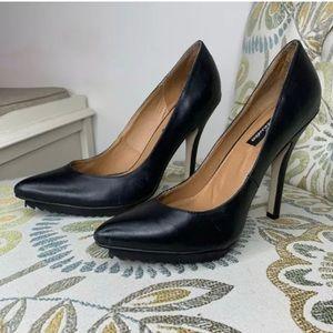 Messeca Heels Pointy Black Leather 7.5 Stiletto